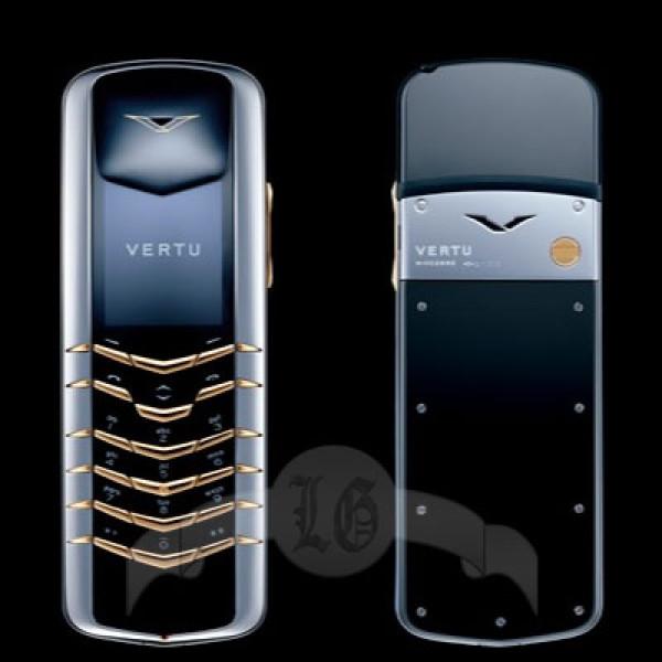 Vertu Signature Сталь, кнопки из жёлтого металла (золотото)