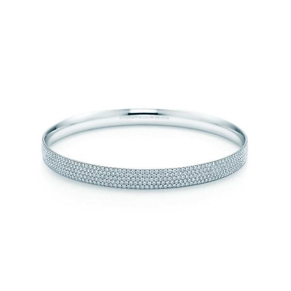 Пятирядный круглый браслет Tiffany Metro, белое золото, бриллианты (26233062)