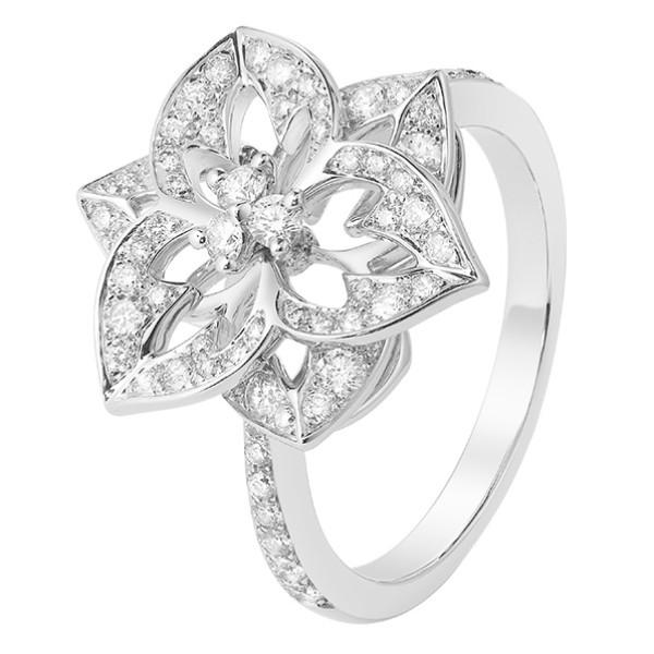 Кольцо Boucheron Pensee de Diamants, белое золото, бриллианты