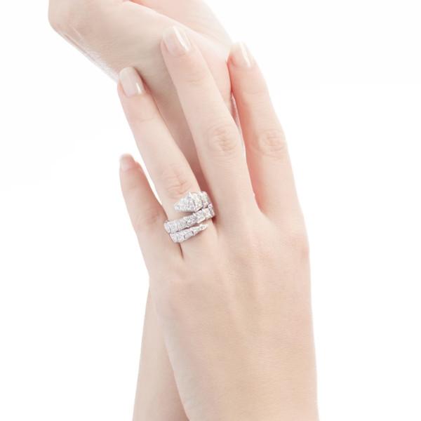 Кольцо Bvlgari Serpenti Viper, белое золото, бриллианты